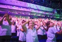 6000 pupils sing together