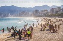 FLEXIBILIZATION; BRAZIL; Bathers go to the beach in Rio de Janeiro even though it is prohibited by decree