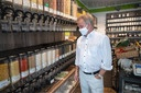 Environment Minister Untersteller visits unpacked shop