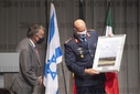 Herbert Reul receives the Israeli Air Force.